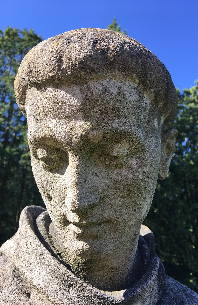 Antoniusfigur Knechtsteden Kalkstein